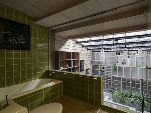 Badkamer aan de binnentuin