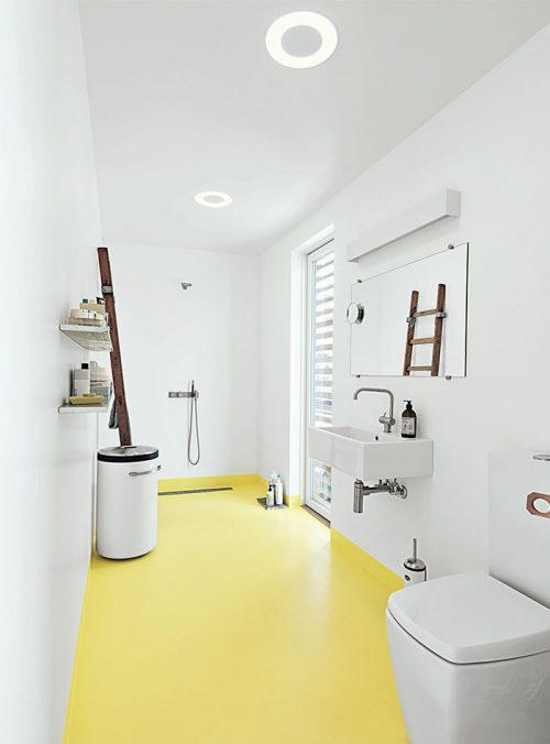 Badkamer met gele vloer - Badkamers voorbeelden