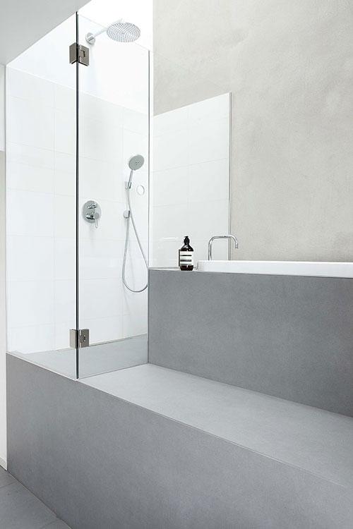 Badkamer met een hoog plafond badkamers voorbeelden - Hoog plafond ...