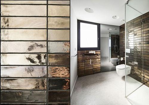 Badkamer met kameleon-achtig bronzen tegels