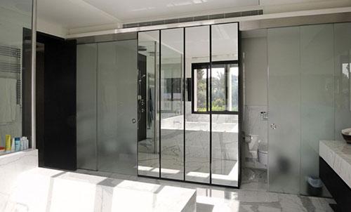 Badkamer met marmer en zwart badkamers voorbeelden - Badkamer zwarte vloer ...