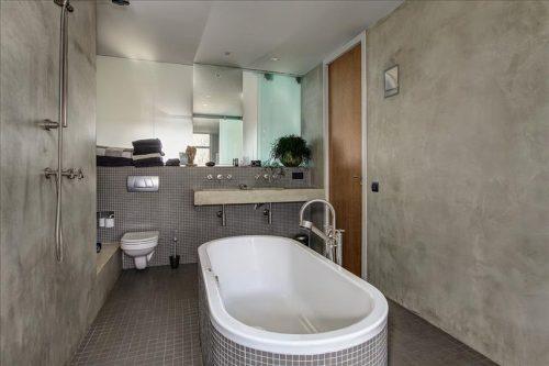 Badkamer met betonstuc badkamers voorbeelden - En grijze bad leisteen ...