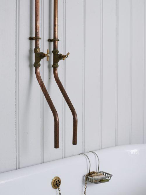 Badkamer met een mix van industrieel en Engels landelijk ...