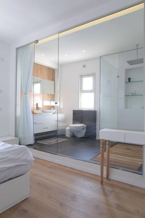 Badkamer penthouse met strakke lijnen badkamers voorbeelden - Kantoor lijnen ...