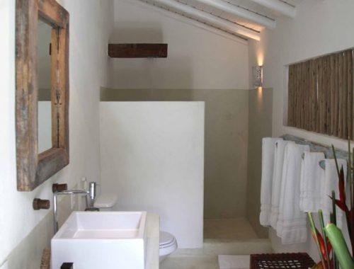 Badkamer met tropisch vakantiegevoel