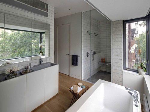 Badkamer van typisch Amerikaans huis
