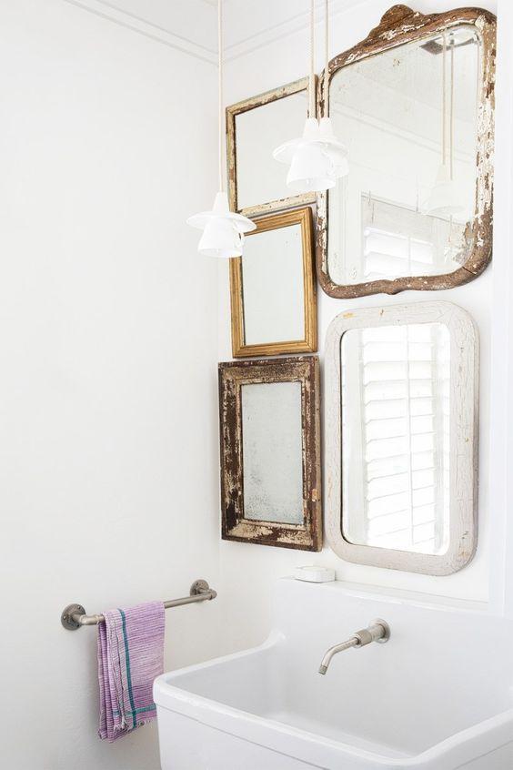 badkamer wanddecoratie collage spiegels
