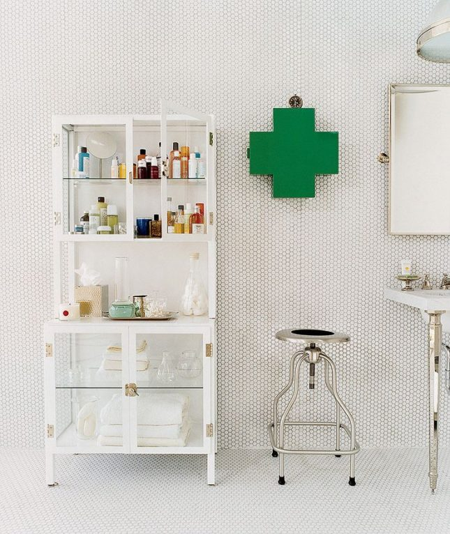 badkamer wanddecoratie medicijnkastje