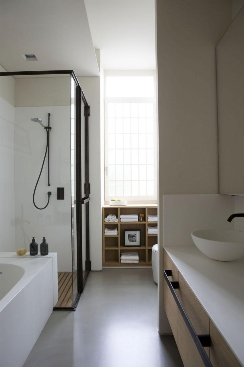 Badkamer met zwart staal en hout - Badkamers voorbeelden