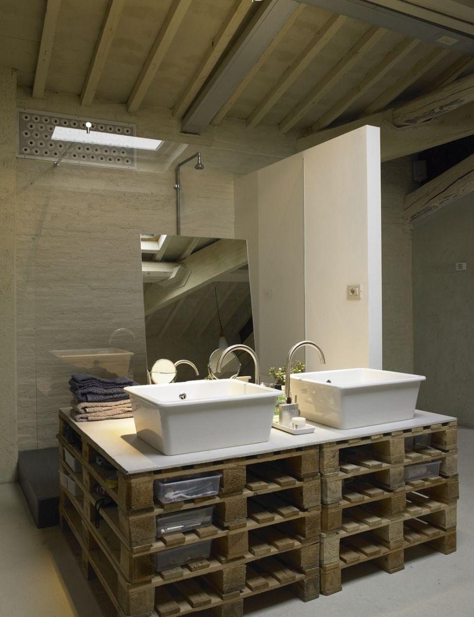 Badkamermeubel van houten paletten