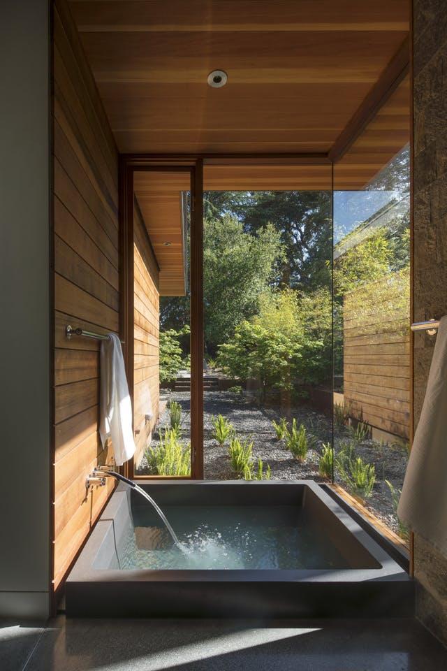 12x Badkamers met buiten en binnen integratie - Badkamers voorbeelden