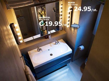 Ikea Badkamer Voorbeelden : Badkamer van ikea met verlichtingsspiegel badkamers voorbeelden