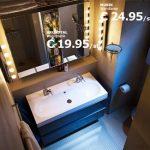 Badkamer van IKEA met verlichtingsspiegel