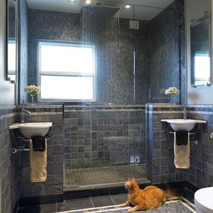 Badkamers voorbeelden » Grijze badkamer met enorme regendouche