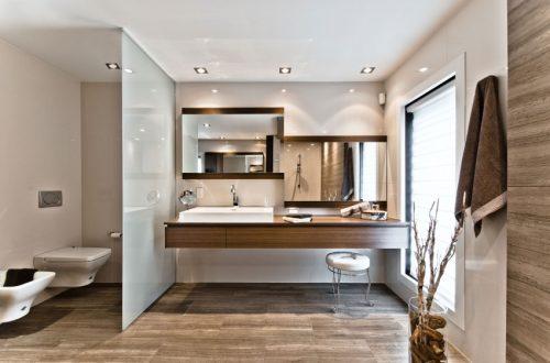 Bruintinten in luxe badkamers ontwerpen badkamers voorbeelden - Bruine en beige badkamer ...