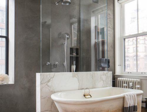 Chique badkamer van loft uit New York