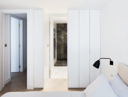 De badkamer van een wijnverzamelaar