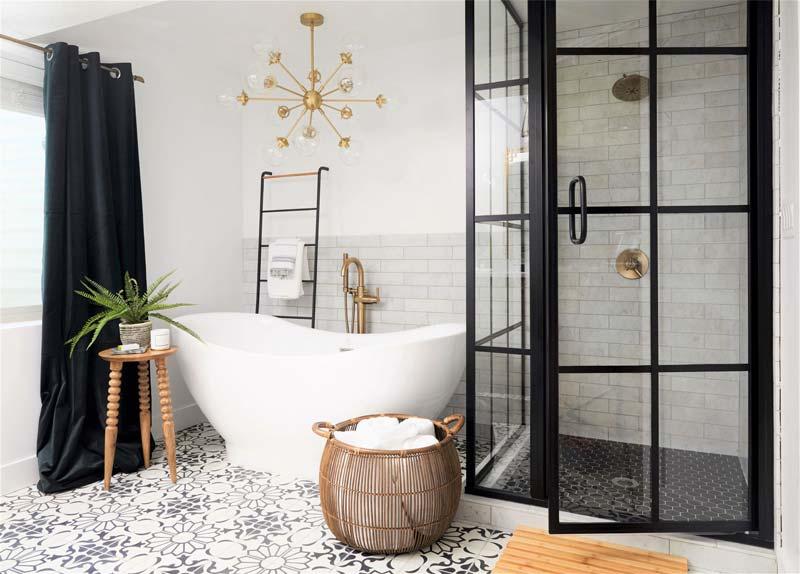 De moderne mediterrane badkamer van Cara
