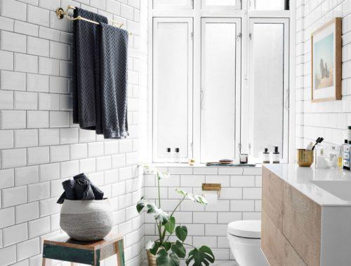 De witte chique badkamer van Deense It-girl