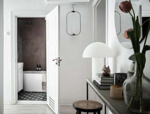 deze leuke badkamer is super leuk verbouwd met een laag budget
