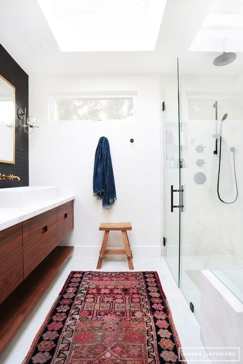 Donkere badkamer make-over
