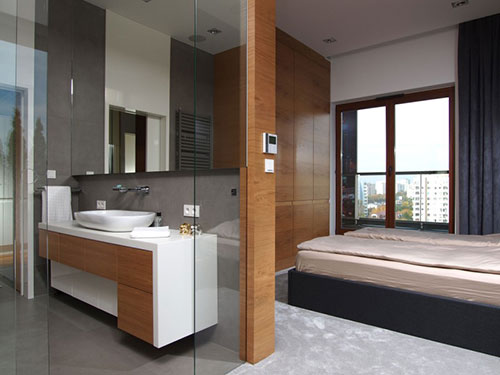 Doorloop badkamer in Pools penthouse