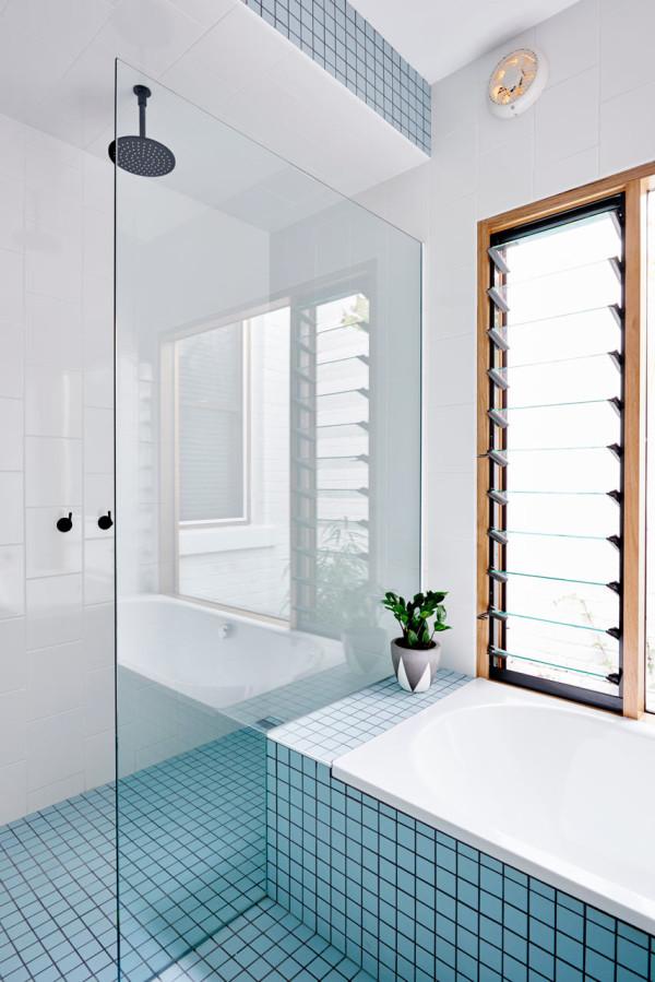 Zeer Een roze en een blauwe badkamer - Badkamers voorbeelden NZ81