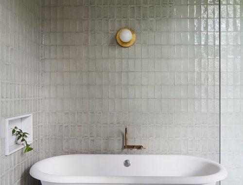 Elegant minimalistische badkamer door Hecker Guthrie