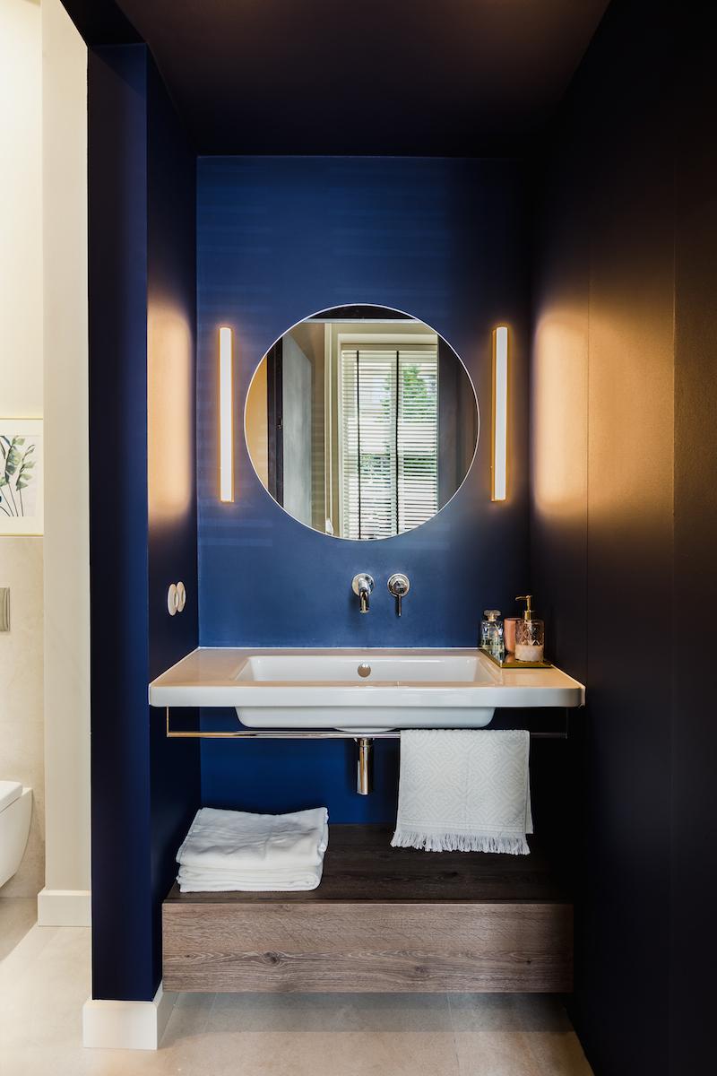 Elegante badkamer van architect Monika