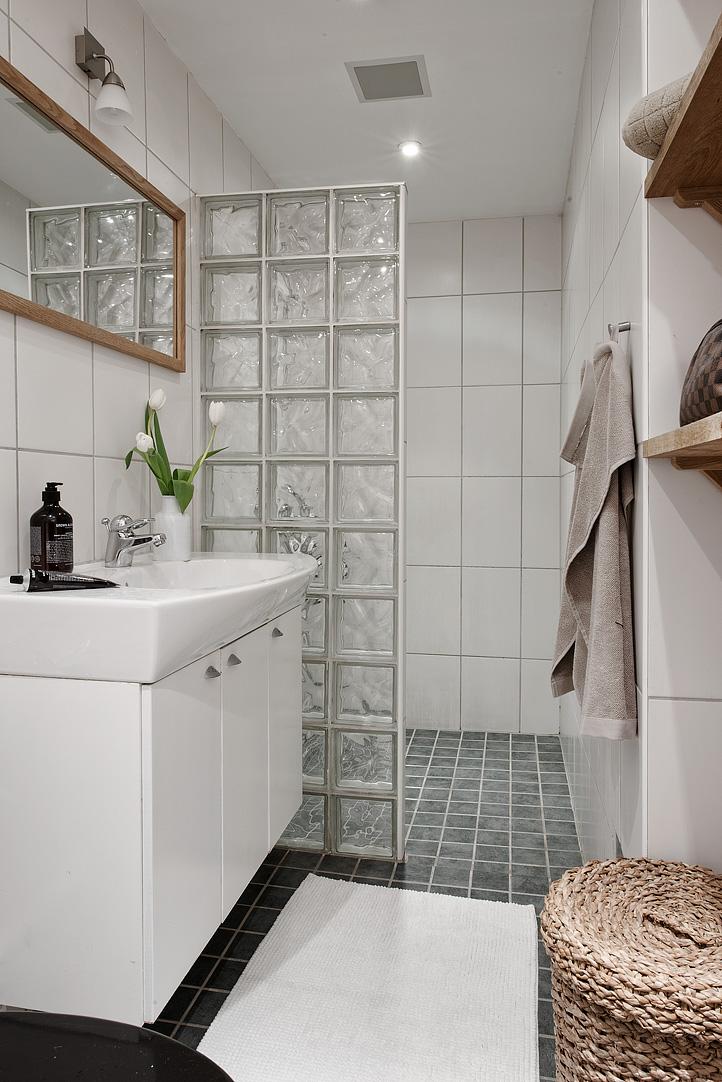 Glazen bouwstenen in de badkamer - Badkamers voorbeelden