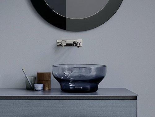Glazen waskommen badkamer