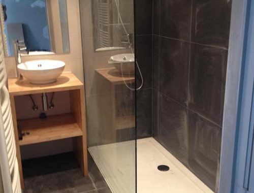 Grote inloopdouche in kleine badkamer