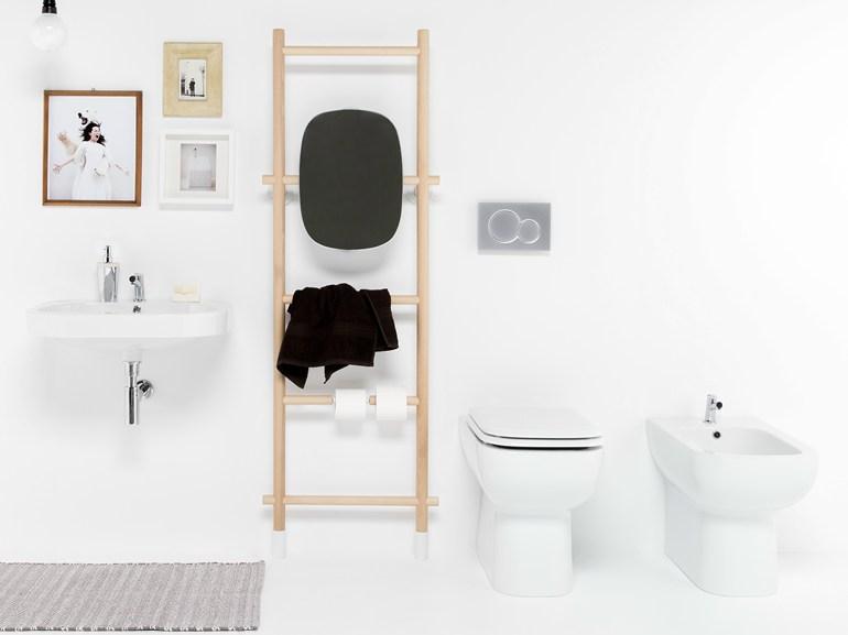 Handdoekrek Voor Badkamer : Handdoekrek toiletrolhouder en spiegel in één badkamers voorbeelden