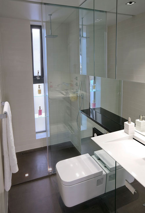 Hangtoilet in een kleine badkamer badkamers voorbeelden for Contemporary bathroom designs for small spaces