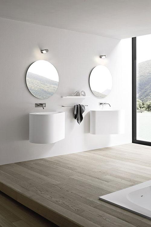 hole sanitair en spiegels van rexa design badkamers voorbeelden. Black Bedroom Furniture Sets. Home Design Ideas