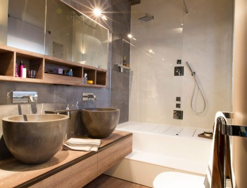 Hout in ontwerp van badkamer luxe chalet
