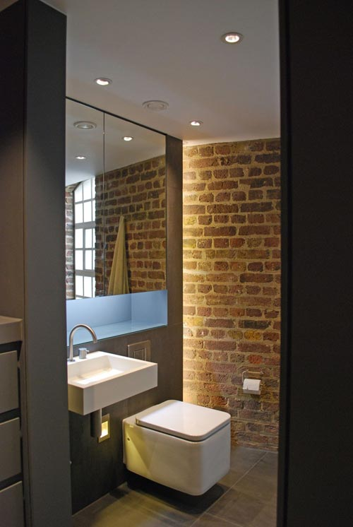 Industriële badkamer met moderne afwerking