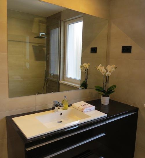 Inloopdouche badkamer met luxe uitstraling