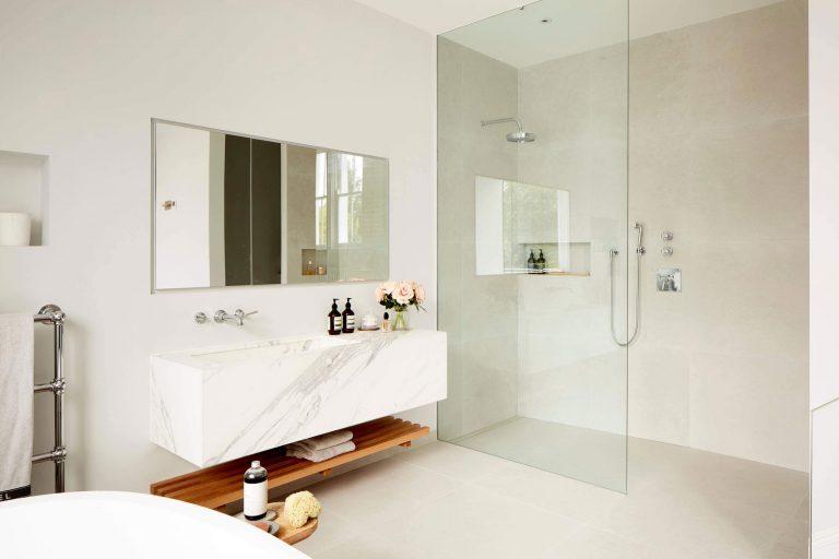 Glazen Douchewand Tot Plafond.Luxe Slaapkamer Badkamer Suite Uit Londen Badkamers Voorbeelden