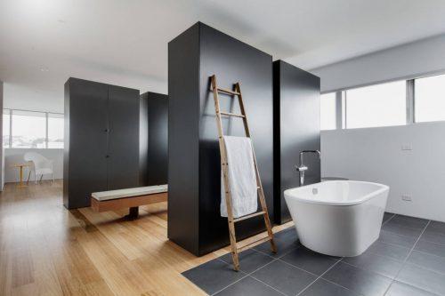 Slaapkamer met badkamer en inloopkast - Slaapkamer met open badkamer ...