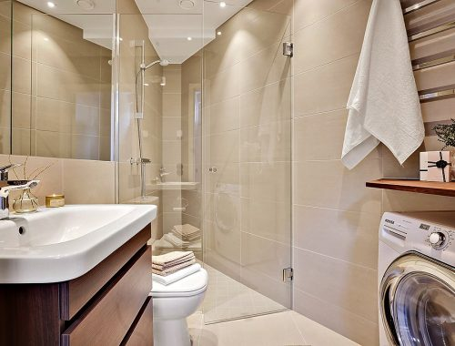 Inrichting van driehoekige badkamer