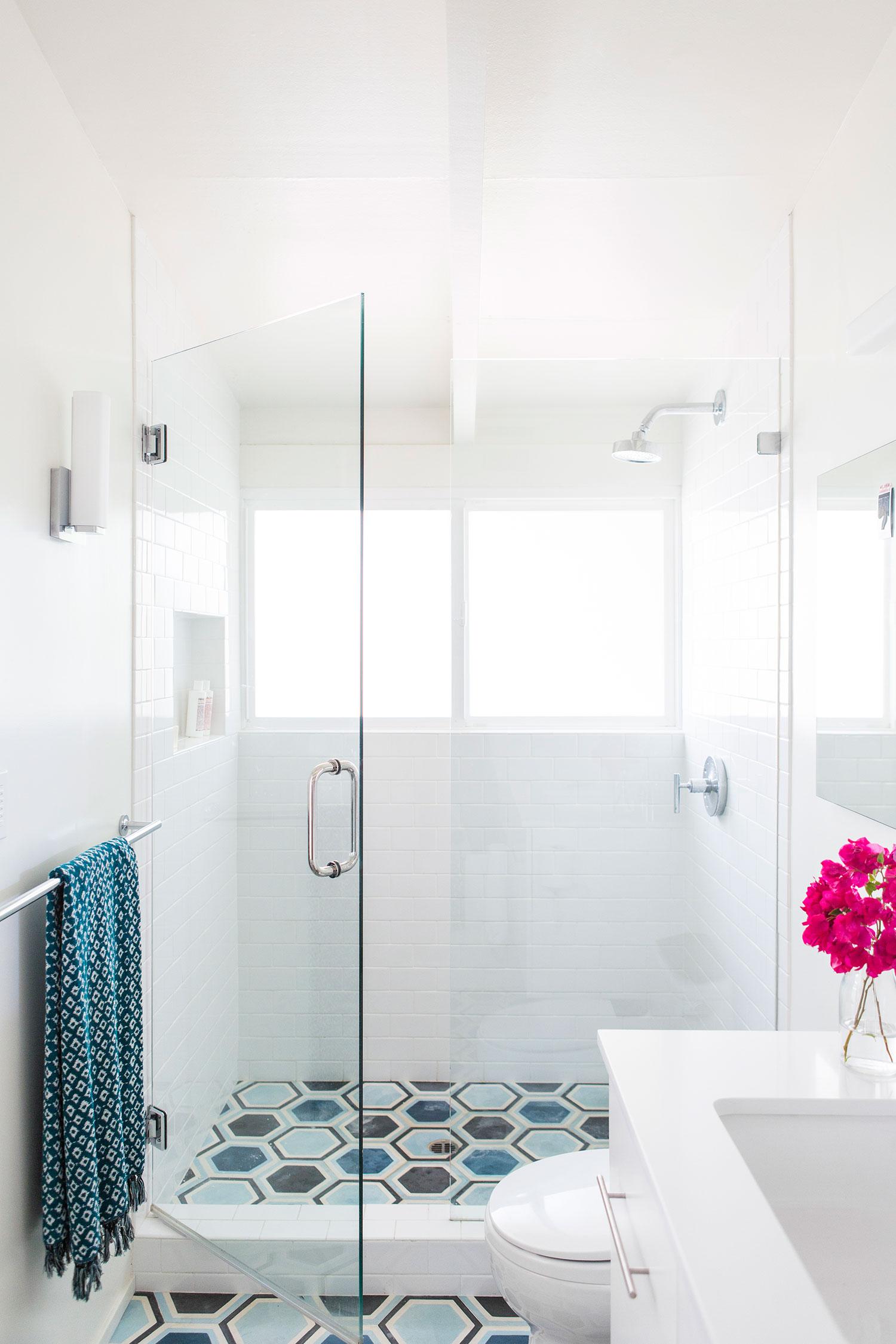 Inspirerende badkamer vebouwing van ontwerpstudio Mend