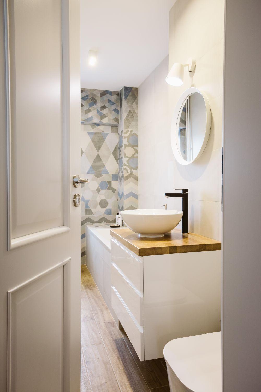 Inspirerende verbouwing van een smalle badkamer