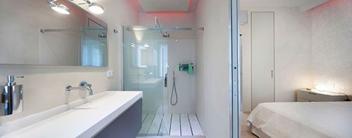 Italiaanse badkamer met modern ontwerp