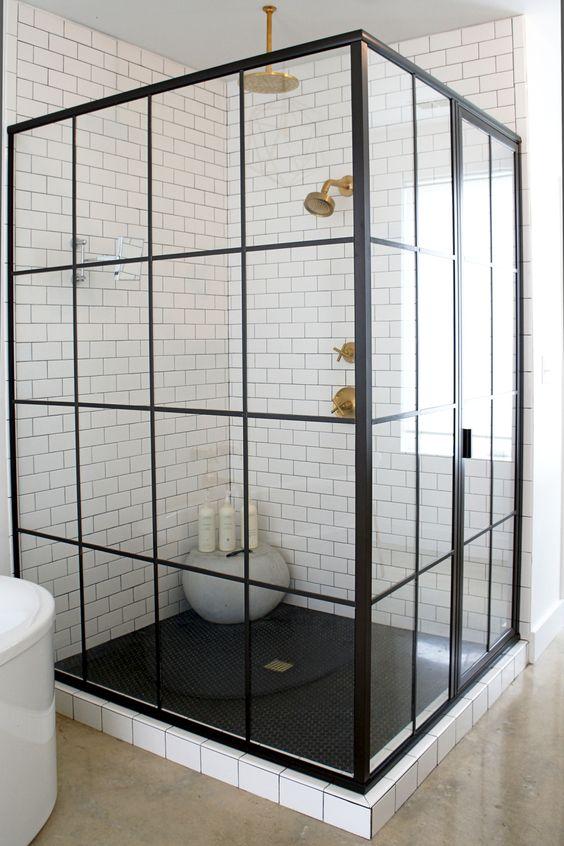 Klassiek chique en industrieel stoere badkamer badkamers voorbeelden - Indus badkamer ...