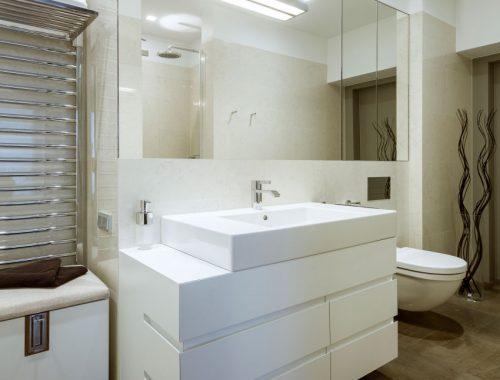 Klassiek chique moderne badkamer uit Warschau