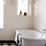 Klassiek landelijke badkamer van Zweedse zangeres