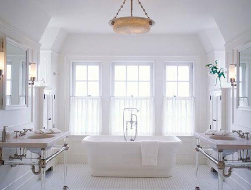 Klassiek witte badkamer
