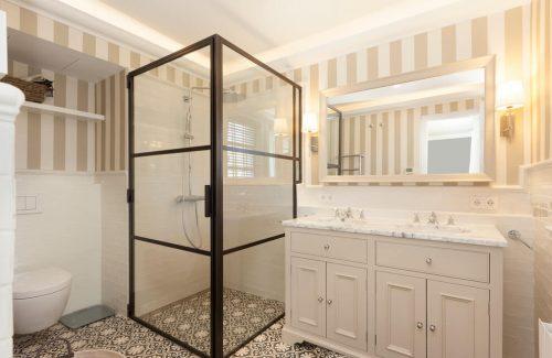 Klassieke badkamer met een industrieel tintje - Badkamers voorbeelden