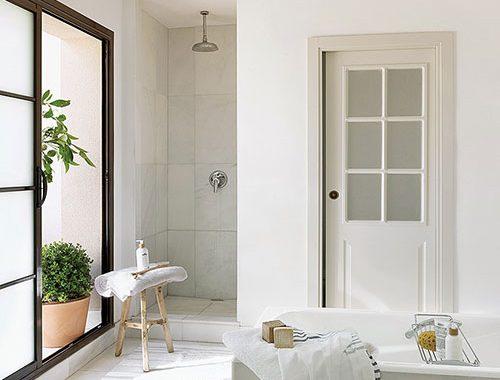 Klassieke badkamer van Spaans zomerhuis